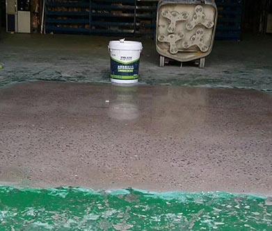 烂车间地坪能用地面固化剂翻新吗