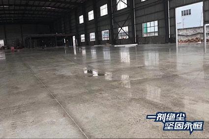 【湖北】晨光机械厂改造3000方德立固装甲地坪治理起砂地面