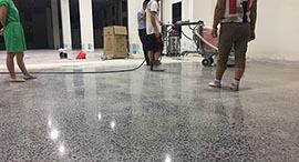 库房地坪起灰起砂如何处理?用德立固装甲地坪